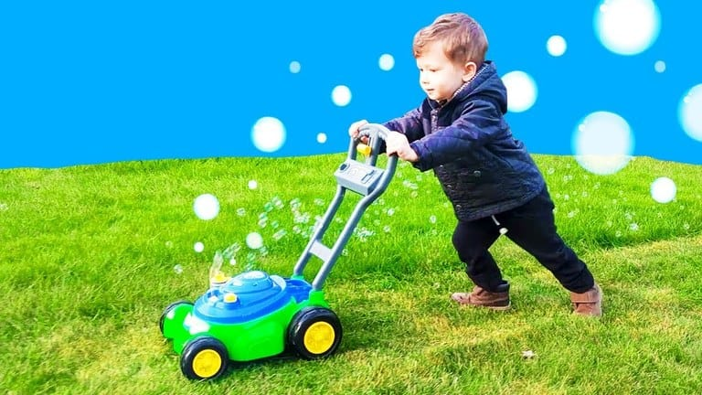Top 8 Best Bubble Lawn Mower for Kids 2021 Ultimate Reviews