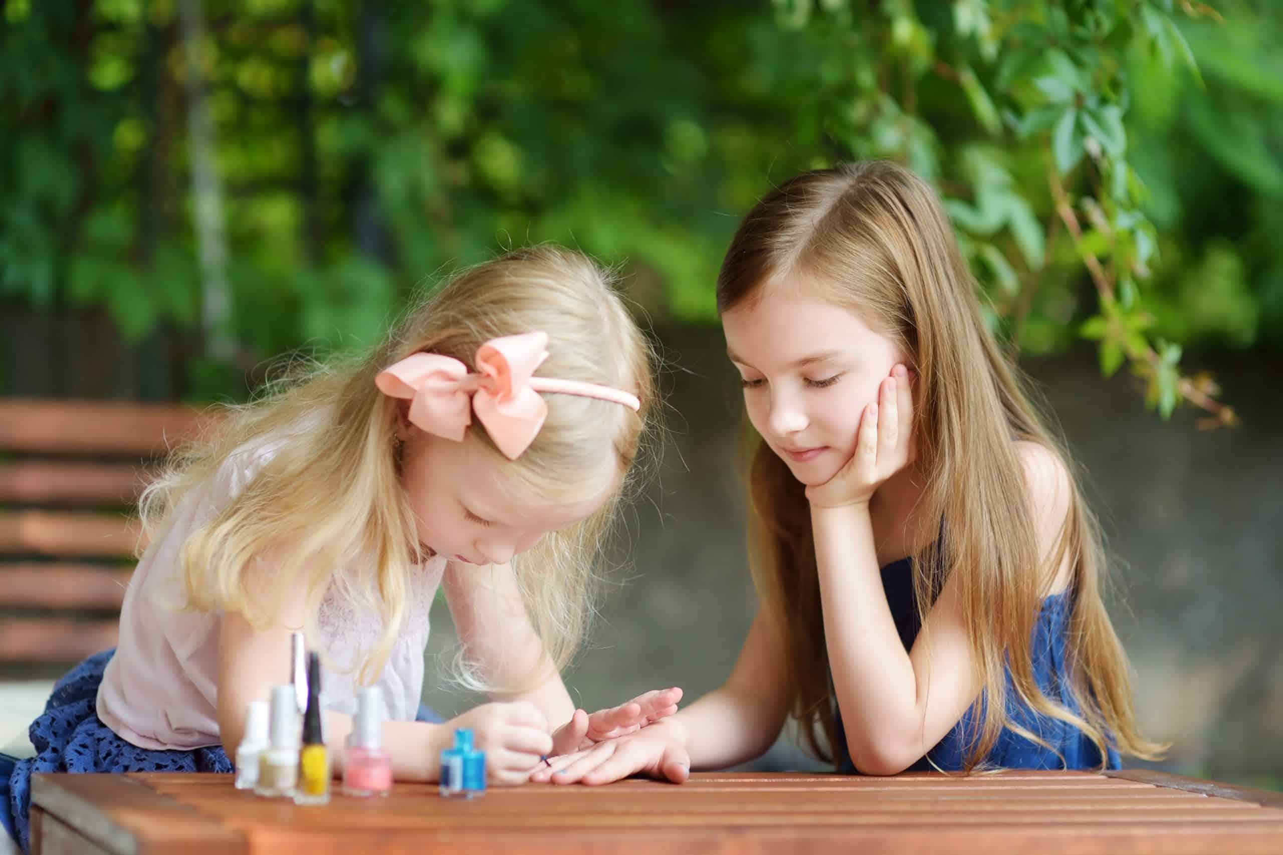 kids using nail polish