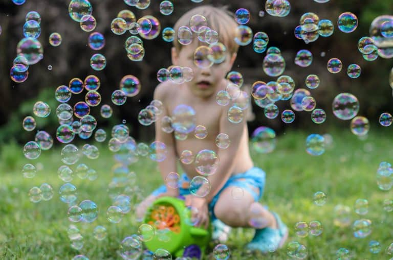 Top 10 Best Bubble Machine For Kids in 2021